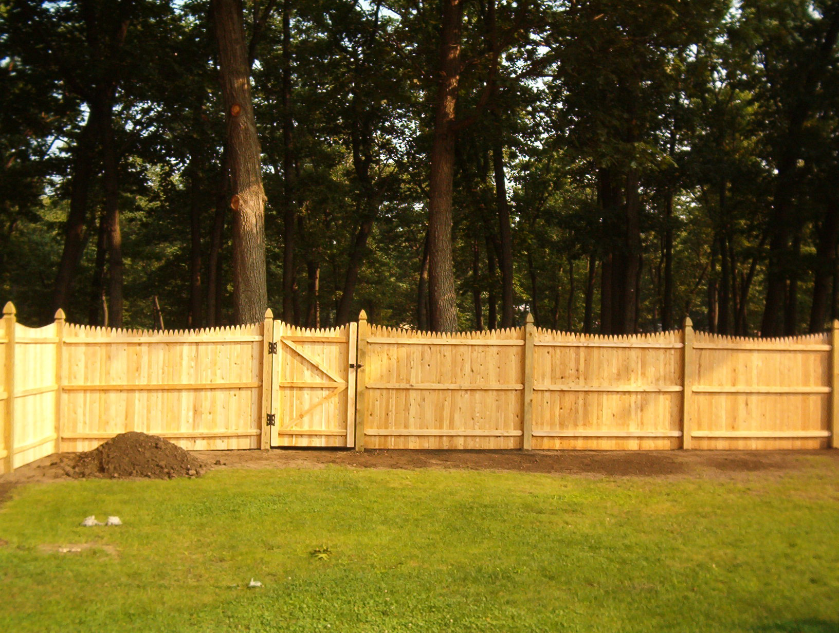 GATE CITY FENCE COMPANY, INC. - Solid Cedar Stockade